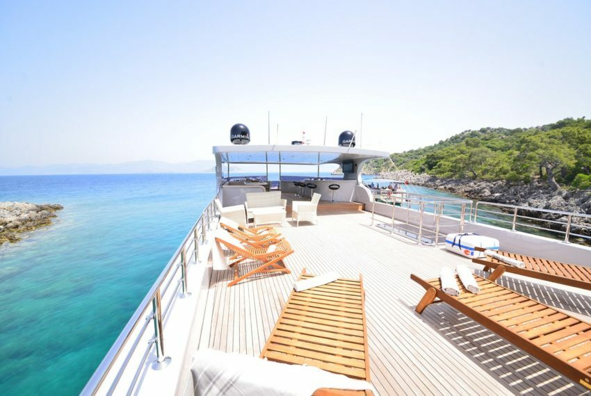 Crewed Motor Yacht Charter in Turkey
