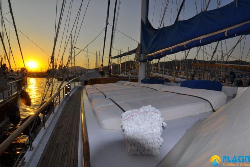 bodrum-crewed-yacht-charter-10
