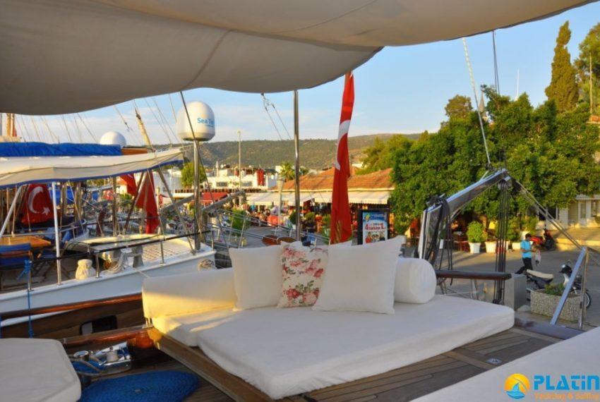 bodrum-crewed-yacht-charter-9